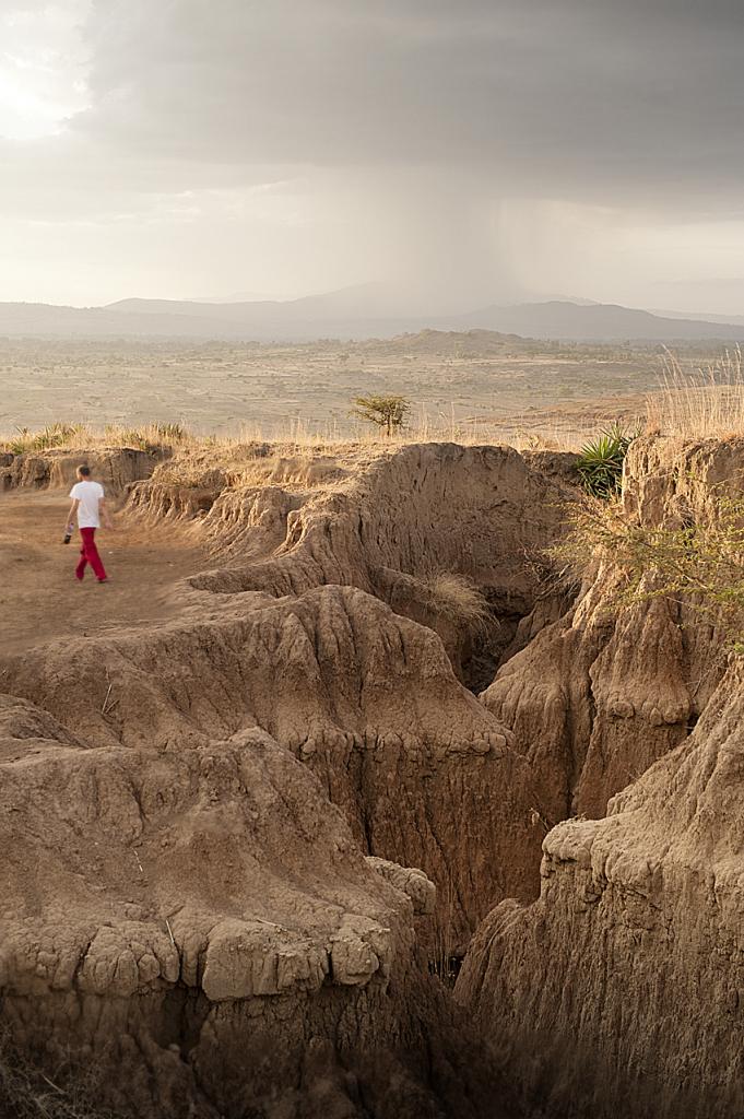 Erosione nell'area intorno a Ropi