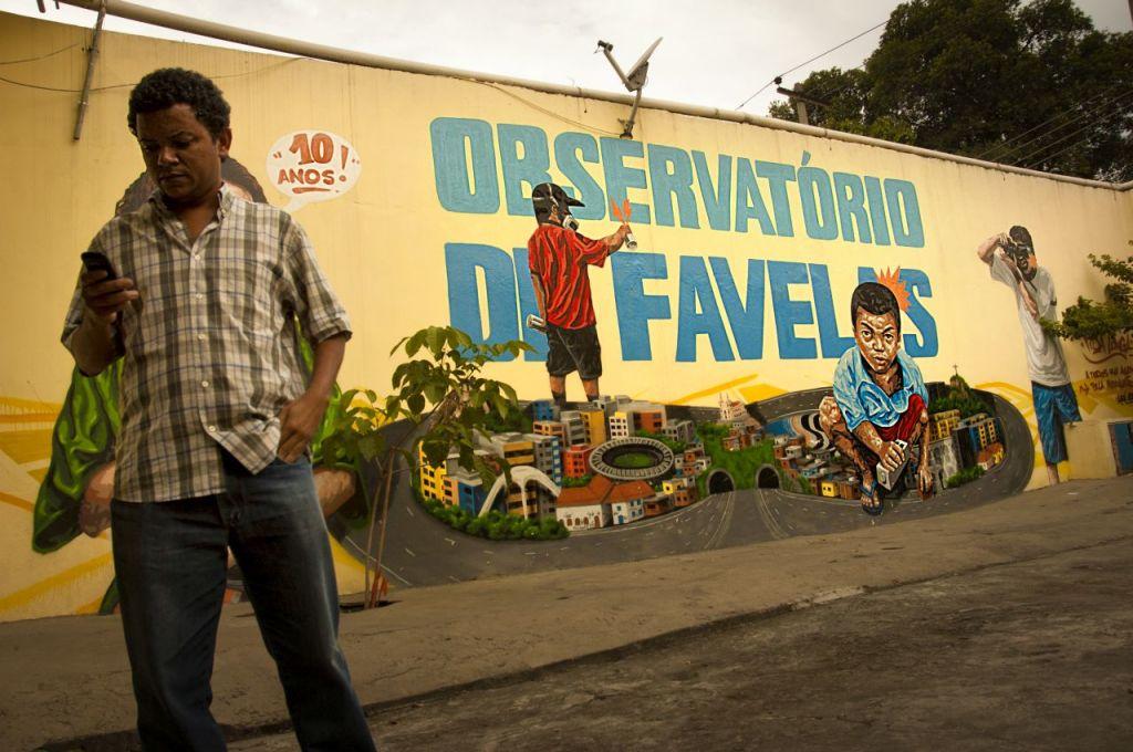 nella sede di Observatorio de favelas