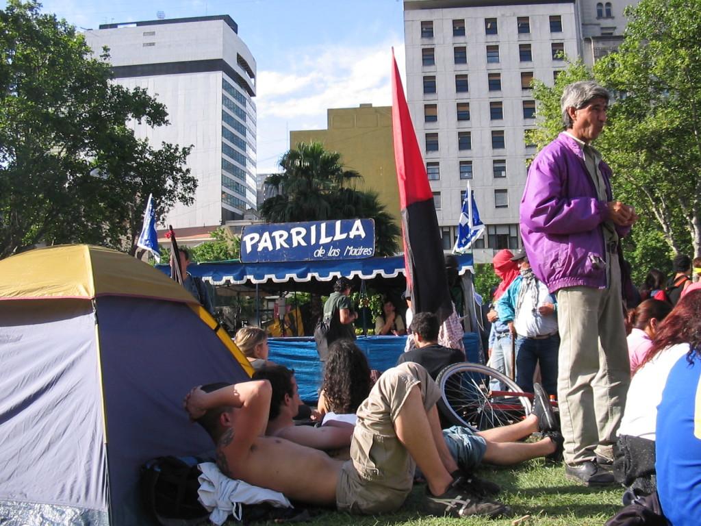 Parilla de Las Madres, Plaza de Mayo 9 dicembre 2004