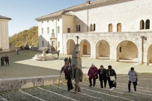 Since Dhi got the assignment of Trisulti monastery visitors access has been strongly restricted and an entrance fee of 5 euro has been introduced